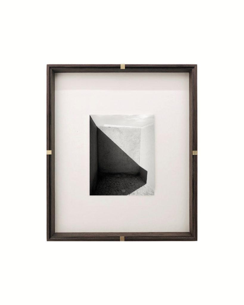 Shadow Ruin, 2019, 32 cm x 25,6 cm, Archival Pigment  Print, Ed. 4/7